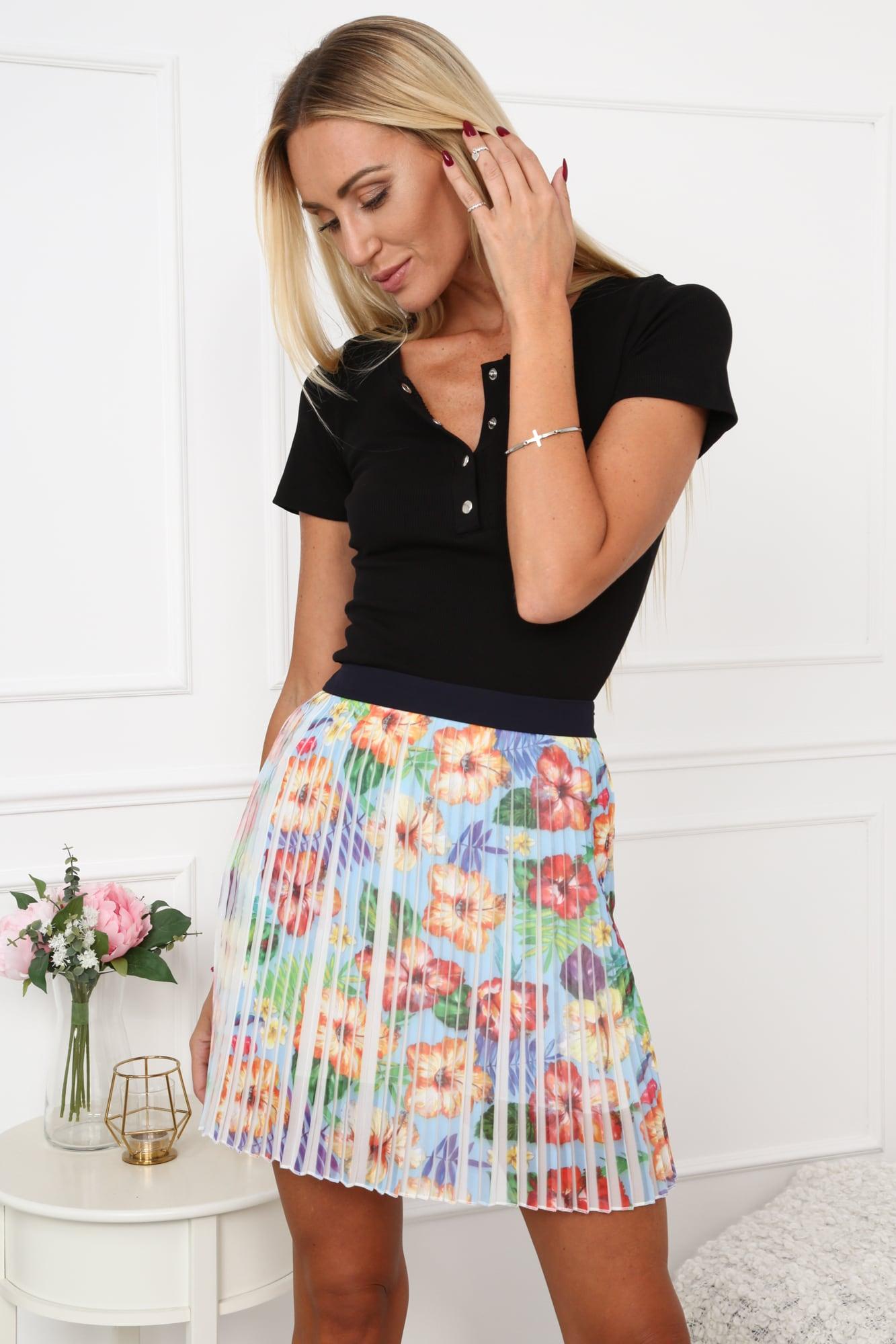 Plisovaná sukňa s kvetmi svetlomodrá