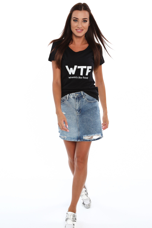 Čierne tričko s nadpisom