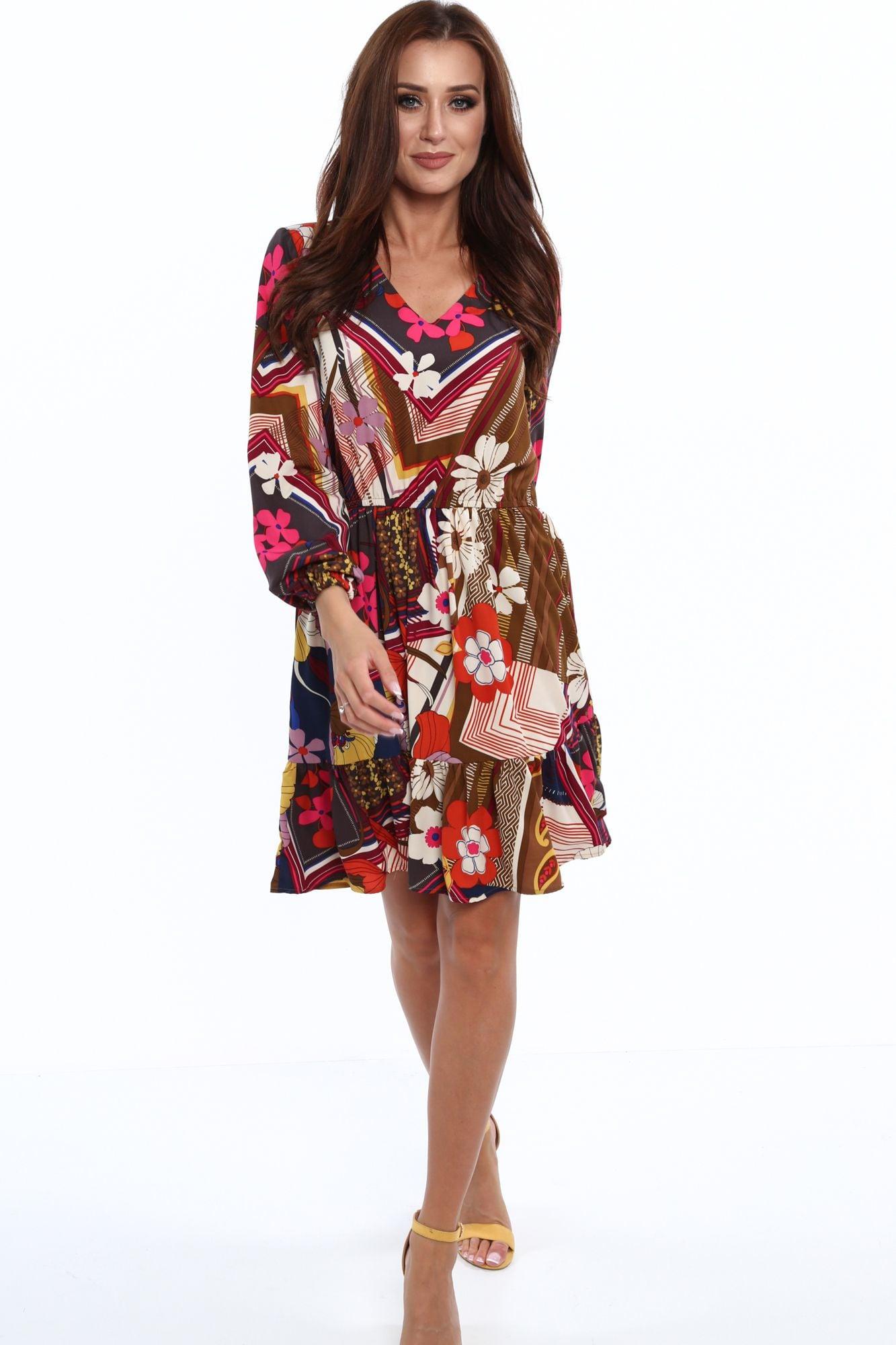 Šaty s farebným vzorom