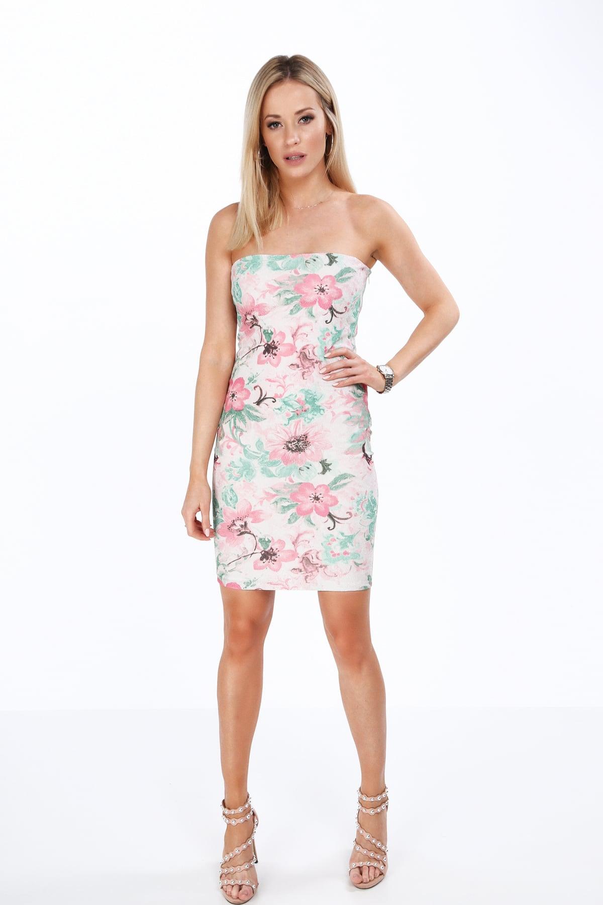 šaty v ružovej farby